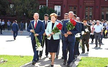 Делегация Совета Федерации воглаве сГалиной Кареловой приняла участие вторжественных мероприятиях, посвященных 75-й годовщине освобождения Кишинева отфашизма