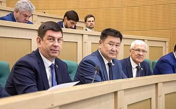 Виктор Смирнов иВячеслав Мархаев
