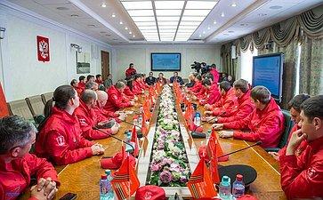 Встреча В. Озерова иД. Саблина сучастниками Международного общественно-патриотического проекта «Наша Великая победа»