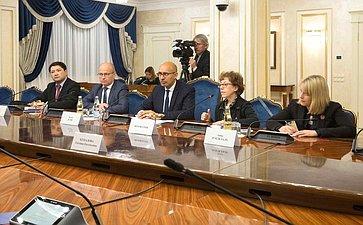 Встреча А.Пушкова сПредставителем ОБСЕ повопросам свободы СМИ А.Дезиром