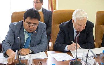 А. Акимов иН. Рыжков