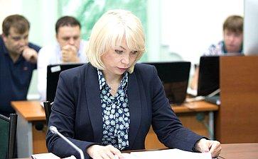 «Круглый стол» натему «Обэффектности норм семейного законодательства РФ вчасти алиментных обязательств родителей идетей иодополнительных мерах воздействия надолжников»