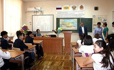 Алексей Майоров поздравил учеников сначалом учебного года,