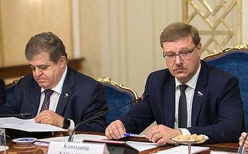 К. Косачев провел встречу членов Комитета СФ помеждународным делам самериканскими экспертами поконтролю над вооружениями