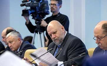 «Круглый стол» натему «Конституционно-правовые механизмы взаимодействия органов государственной власти иорганов МСУ вРФ насовременном этапе»