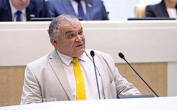 Директор Губернаторского Светленского лицея Томской области А. Сайбединов