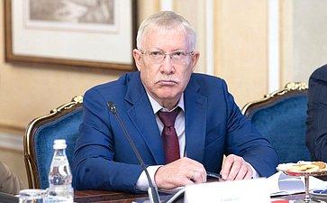 Олег Молрозов