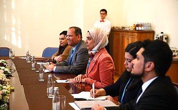 Встреча Г. Кареловой сГенеральным секретарем Верховного совета поделам женщин Королевства Бахрейн Халой Аль-Ансари