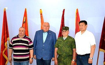 Сергей Аренин провел встречи скомандным составом ивоеннослужащими российских воинских подразделений вРеспублике Армения