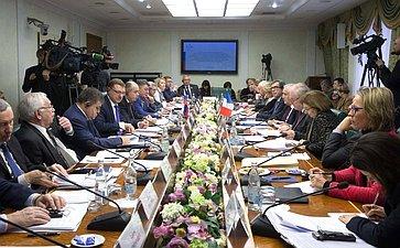 Совместное заседание Комитета СФ помеждународным делам иКомиссии помеждународным делам, обороне ивооруженным силам Сената Франции