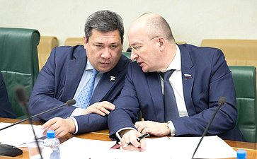 В. Полетаев иО. Цепкин