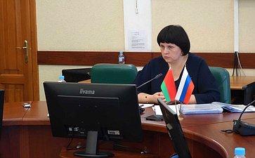 Е. Афанасьева провела выездное заседание Комиссии Парламентского Собрания посоциальной имолодежной политике, науке, культуре игуманитарным вопросам