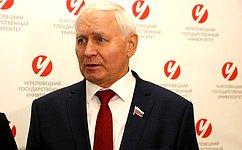 Н. Тихомиров обсудил вопросы развития спорта счленами Молодежного дискуссионного клуба города Череповца