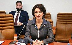 М. Павлова: Временная комиссия СФ позащите государственного суверенитета готовит предложения поисполнению положений Послания Президента