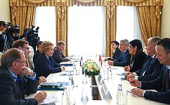 Председатель СФ В.Матвиенко провела встречу сзаместителем Председателя Жогорку Кенеша Кыргызской Республики А.Кодурановой
