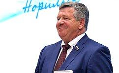 В. Семенов: Красноярский край— один излидеров среди регионов России поуровню инвестиционной активности
