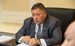 С. Калашников: Предприятия Брянской области начали поставлять средства индивидуальной защиты вдругие регионы