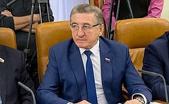 Мы должны оперативно иэффективно решать проблемы, скоторыми кнам обращаются граждане– С.Лукин