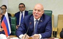 Д. Мезенцев: Объем взаимного товарооборота между Россией иТаджикистаном втекущем году значительно вырос