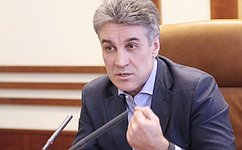 Алексей Пиманов врамках своей рабочей поездки врегион встретился спредставителями общественности города
