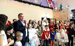 А. Суворов провел вАмурской области традиционную Новогоднюю елку для детей сограниченными возможностями