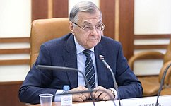 С. Жиряков выступил наконференции «Парламентаризм иразвитие гражданского общества: региональные аспекты»