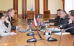 И. Умаханов: Межпарламентские контакты России иПольши находятся навысоком уровне