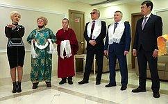 Фотовыставка «Навстречу Белому месяцу» открылась вСовете Федерации