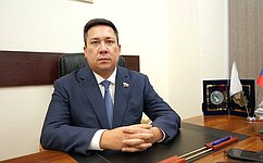 В. Полетаев: Работа сгражданами– одно изважнейших направлений деятельности сенатора