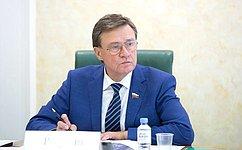 С. Рябухин провел вУльяновской области заседание чрезвычайной комиссии поурегулированию вопросов всфере регионального здравоохранения