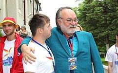 А. Тотоонов встретился сучастниками форума «Без границ» для людей сограниченными физическими возможностями