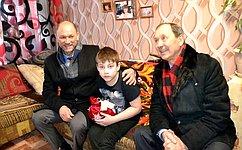 В. Лакунин: ВРостовской области врамках «Десятилетия детства» организована работа поподдержке детей измалообеспеченных семей