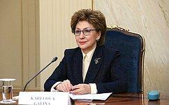 Г. Карелова: Поступило почти 2,4 миллиона заявлений граждан наполучение новых социальных выплат