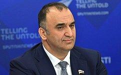 Поправки кКонституции гарантируют трудящимся своевременную заработную плату— М.Ахмадов
