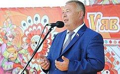 В.Николаев посетил республиканскую выставку «День поля-2016»