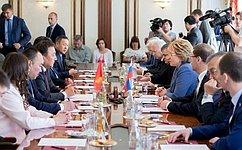В. Матвиенко: ВСовете Федерации высоко оценивают работу Киргизии вструктурах СНГ, ОДКБ иШОС