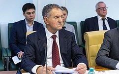 А.Волков иА.Соболев насовещании в«Артеке» обсудили перспективы развития российского образования