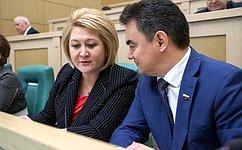 Входе «парламентской разминки» сенаторы обсудили темы перехода нацифровое телевещание, поддержки многодетных семей