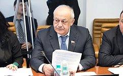 Т. Мамсуров возложил цветы кпамятнику «Детям Беслана» вСанкт-Петербурге
