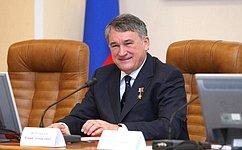 Заместитель Председателя Совета Федерации Юрий Воробьев отмечает юбилей