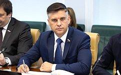 Ю.Архаров: Сахалинская область имеет важнейшее значение для страны сгеополитической, стратегической иэкономической точек зрения