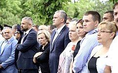 Крымчане передали «горсть памяти» для увековечения вГлавном храме ВС РФ– О. Ковитиди