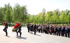 А. Турчак принял участие вцеремонии возложения венка кмогиле Неизвестного Солдата