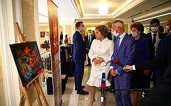 В. Матвиенко открыла выставку «Великая Отечественная война 1941– 1945годов впроизведениях мастеров народных художественных промыслов России»
