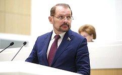 Совет Федерации одобрил закон опчеловодстве вРоссии