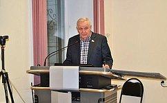 Образовательные учреждения Коми необходимо обеспечить учебниками понациональному языку— В.Марков