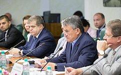 Ю. Воробьев призвал благотворителей оказывать адресную помощь жителям Донбасса