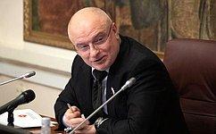 А. Клишас: Впредложенных Президентом поправках кКонституции РФ особое внимание уделяется защите социальных прав граждан
