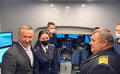 За80 лет вКраснокутском летном училище гражданской авиации подготовлено свыше тридцати тысяч пилотов– О.Алексеев