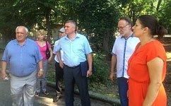 А. Тотоонов подготовит предложения порешению проблем вынужденных переселенцев сЮго-Востока Украины